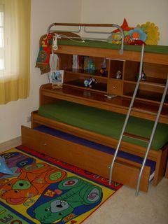 Quarto 3 camas (2)