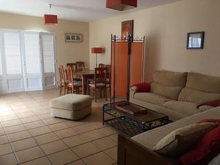 Sala com acesso a varandas