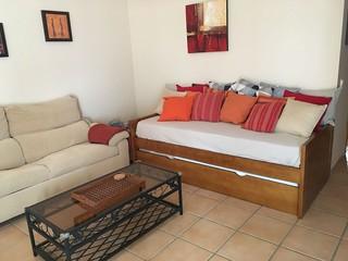 Sofá com duas camas individuais