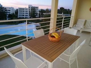 Varanda com vista pra piscina